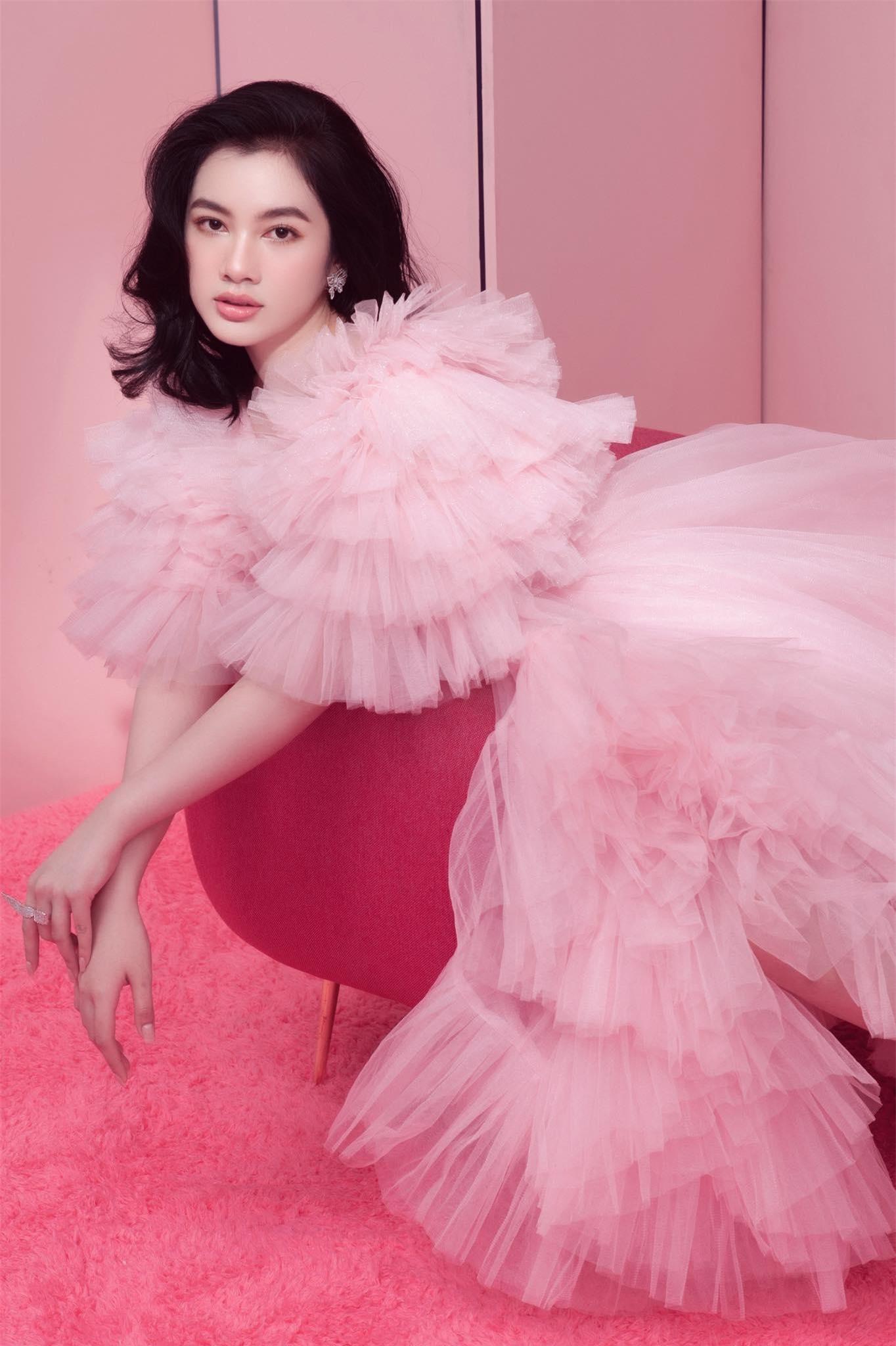 Người đẹp Cẩm Đan diện váy lưới xuyên thấu khoe body gợi cảm ảnh 9
