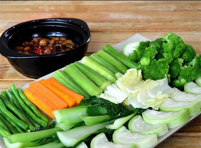 Sai lầm khi ăn rau gây bệnh