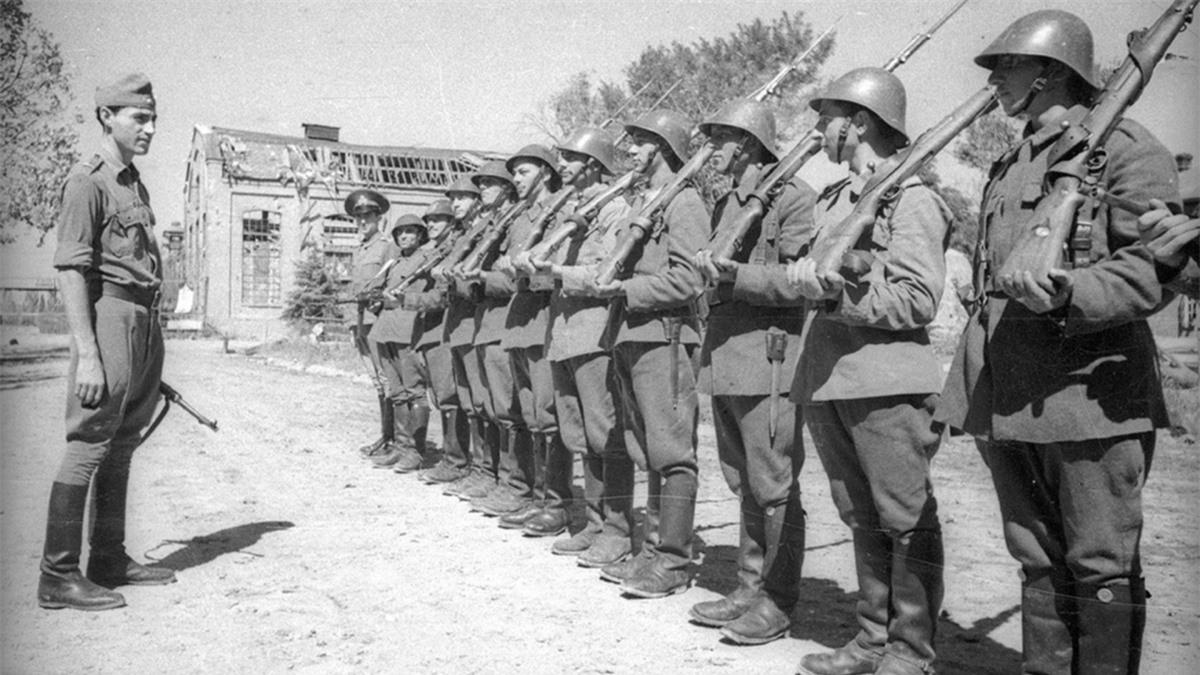 Lính Romania tham gia Thế chiến II bên phe phát xít Đức. Ảnh: Russianinphoto.