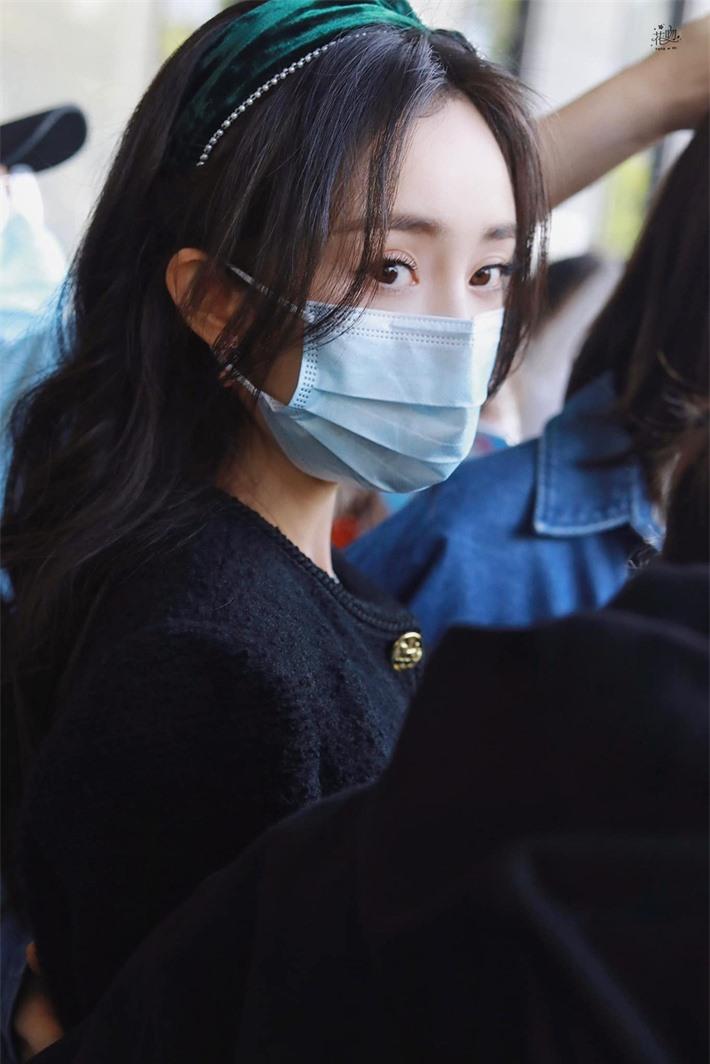 Dương Mịch cosplay truyện tranh gây sốt, ảnh cận đôi mắt to tròn khiến netizen thốt lên quá đẹp  - Ảnh 8.
