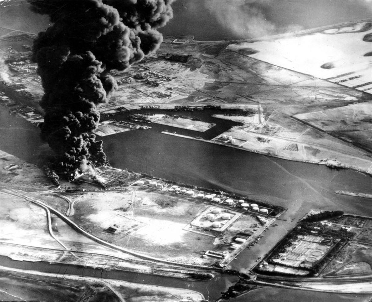 Cuộc khủng hoảng năm 1956 khiến kênh đào Suez đóng cửa suốt nhiều tháng. Ảnh: AP