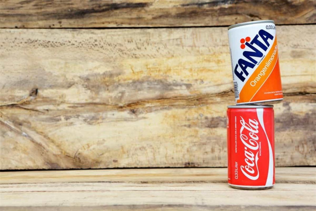 Fanta được tạo ra để thay thế Coca-Cola bởi rất khó để nhập khẩu Coca-Cola vào Đức trong Thế chiến II./.