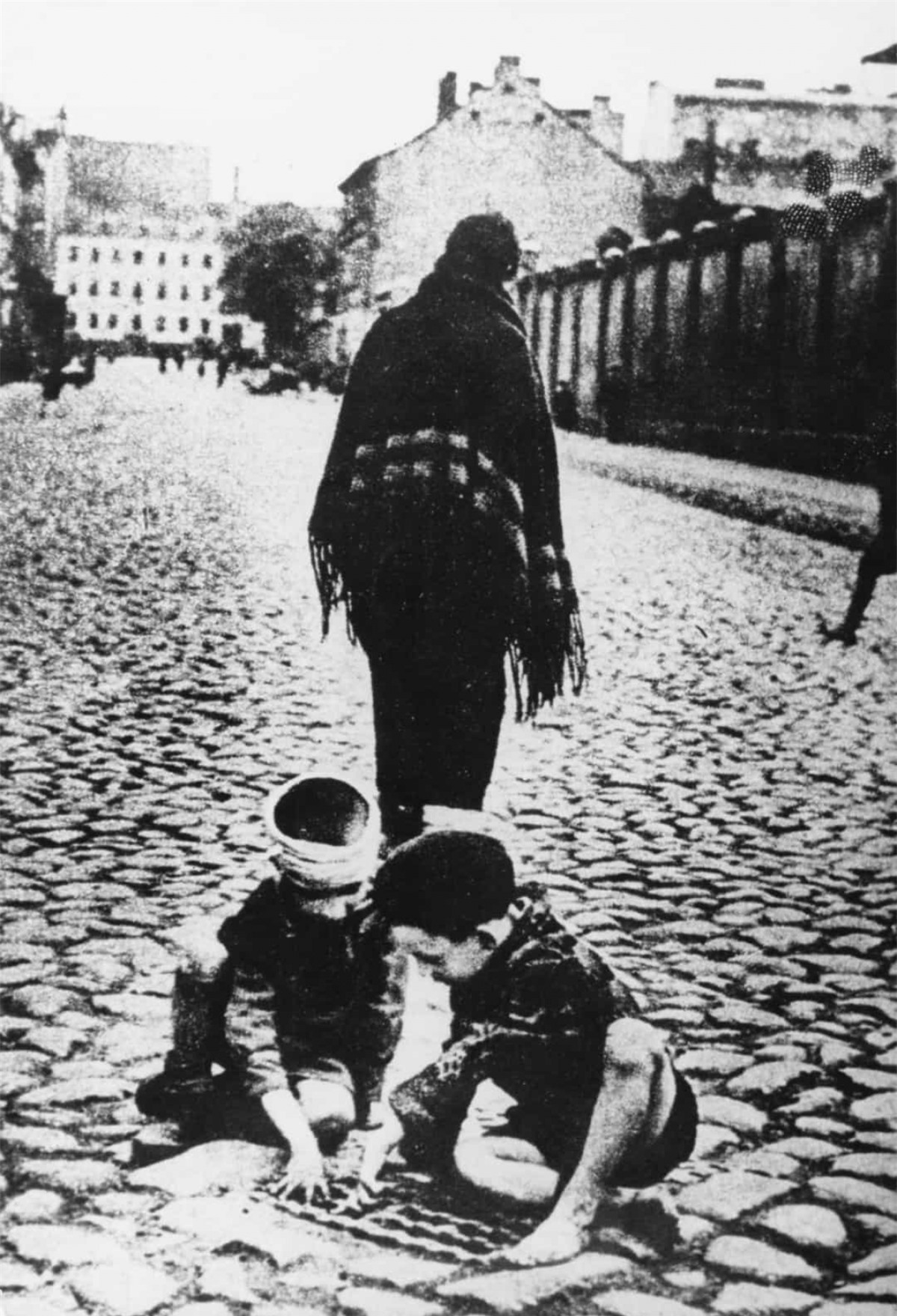 Hơn 1 triệu trẻ em Do Thái đã thiệt mạng trong thảm họa diệt chủng Holocaust do Đức Quốc xã tiến hành trong Thế chiến II.