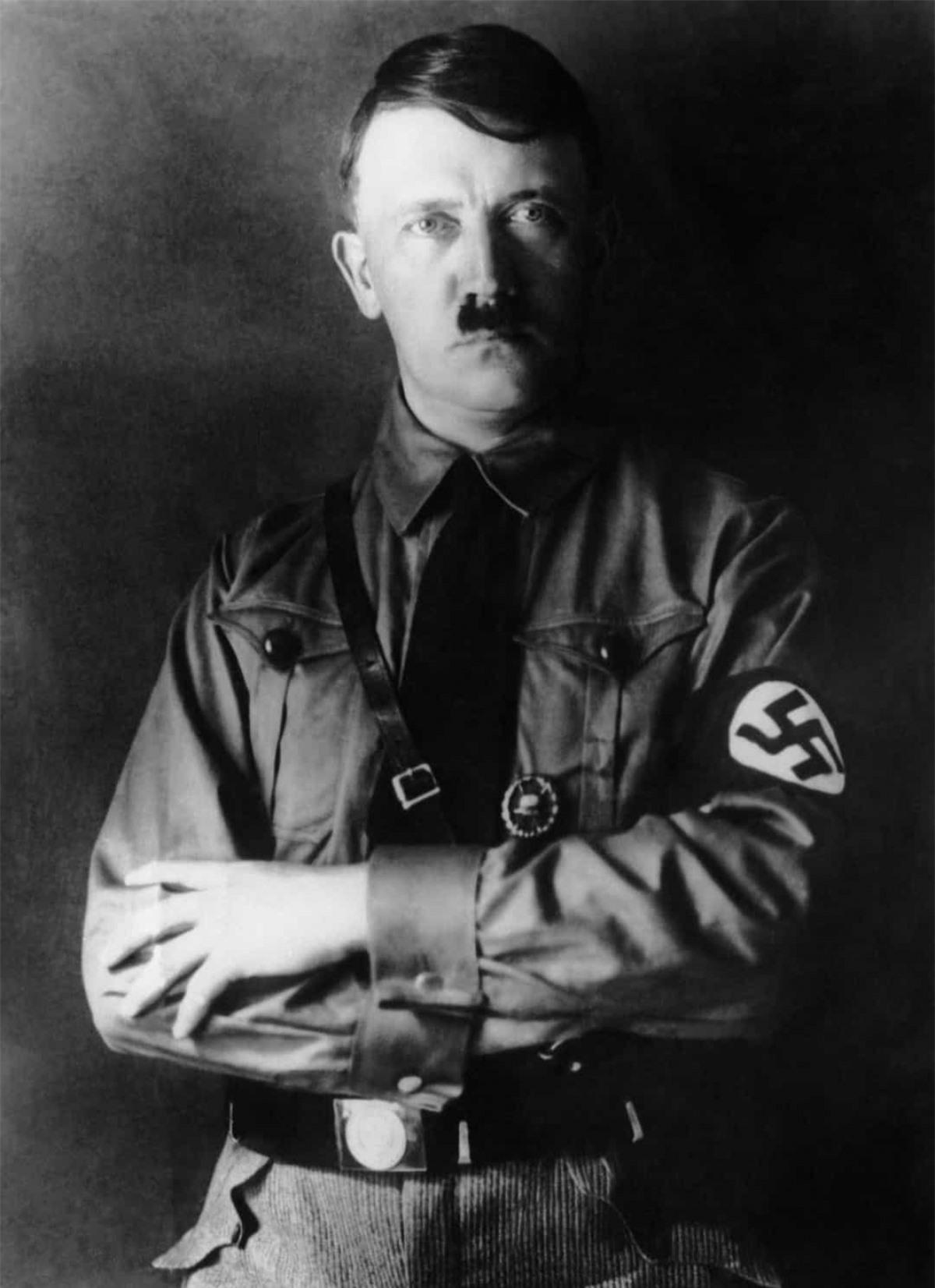 """Theo một bài báo trên Independent, Hitler từng có kế hoạch thu thập hàng nghìn đồ dùng của người Do Thái và trưng bày chúng trong cái gọi là bảo tàng của """"những dân tộc tuyệt chủng""""."""