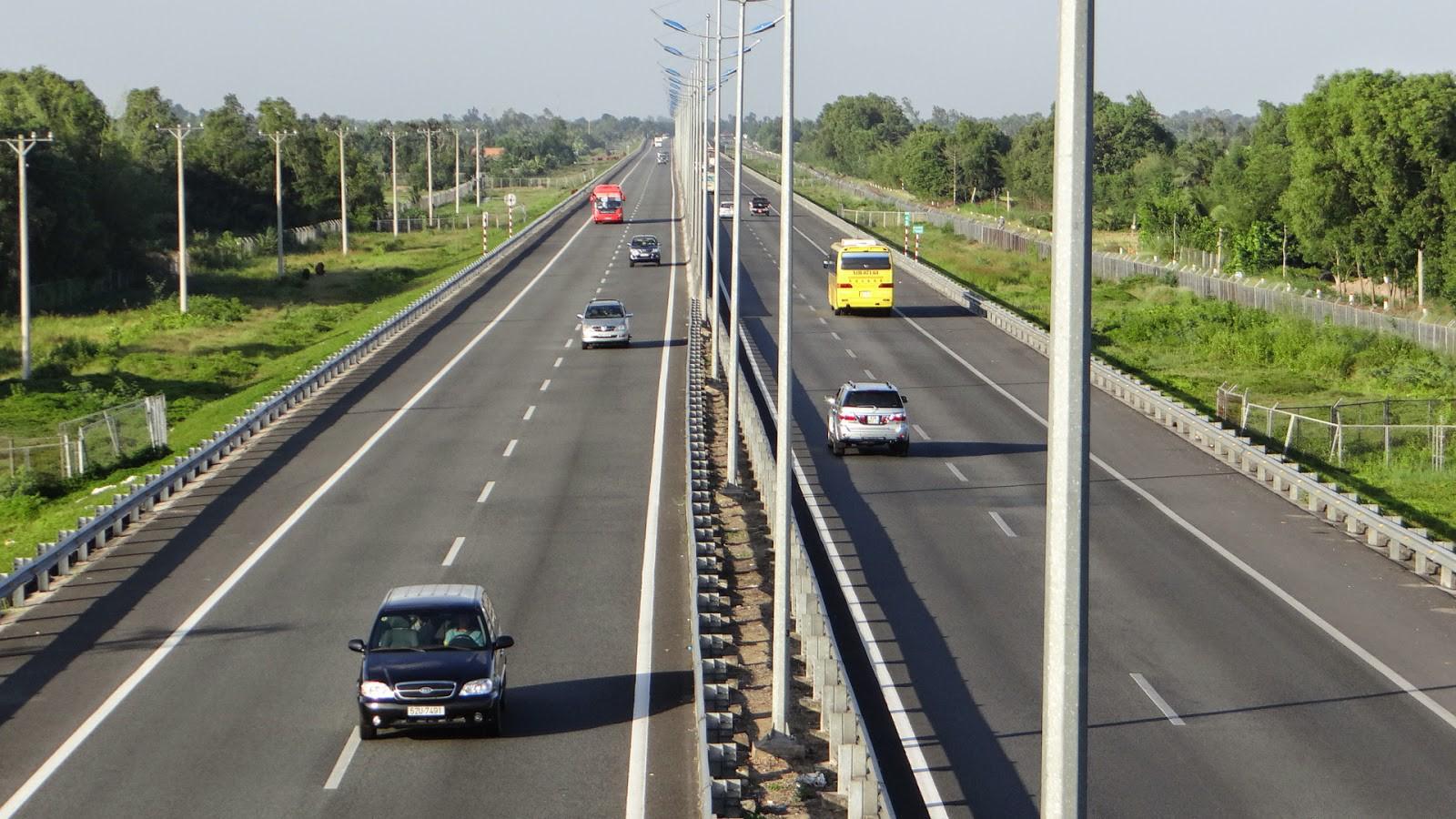 Bình Dương đẩy nhanh các dự án giao thông kết nối Vùng kinh tế trọng điểm phía Nam