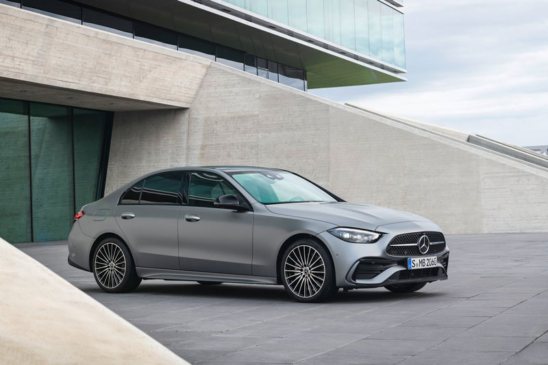 9. Mercedes-Benz (doanh số: 363.145 chiếc).