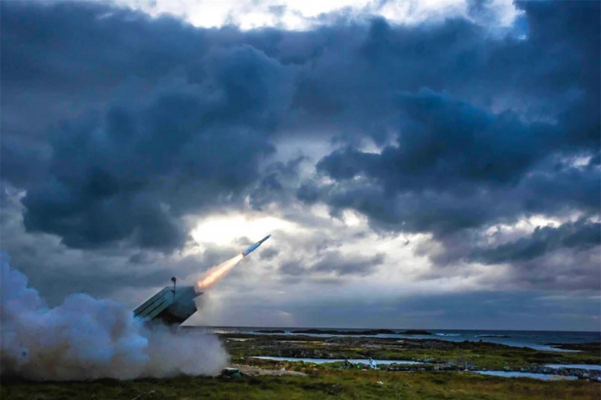 Tên lửa không đối không tầm trung tiên tiến của công ty, một trong những đơn vị được coi là người có khả năng thầu cho dự án chế tạo tên lửa tại Australia. Nguồn: SMH.