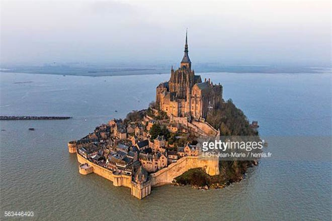 Mont Saint Michel - hòn đảo lâu đài của những giấc mơ - 1