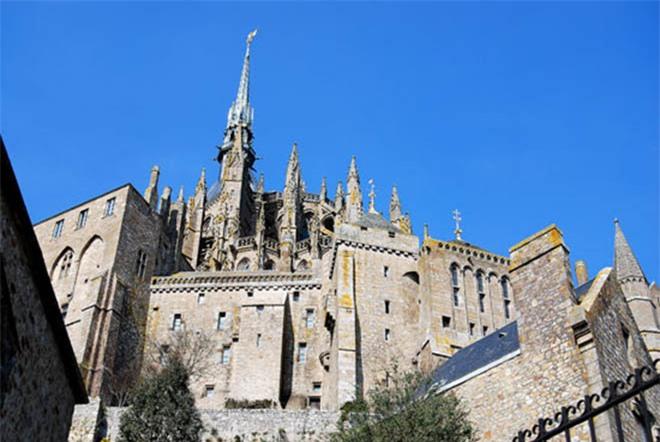 Mont Saint Michel - hòn đảo lâu đài của những giấc mơ - 3