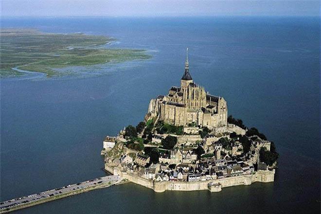 Mont Saint Michel - hòn đảo lâu đài của những giấc mơ - 4