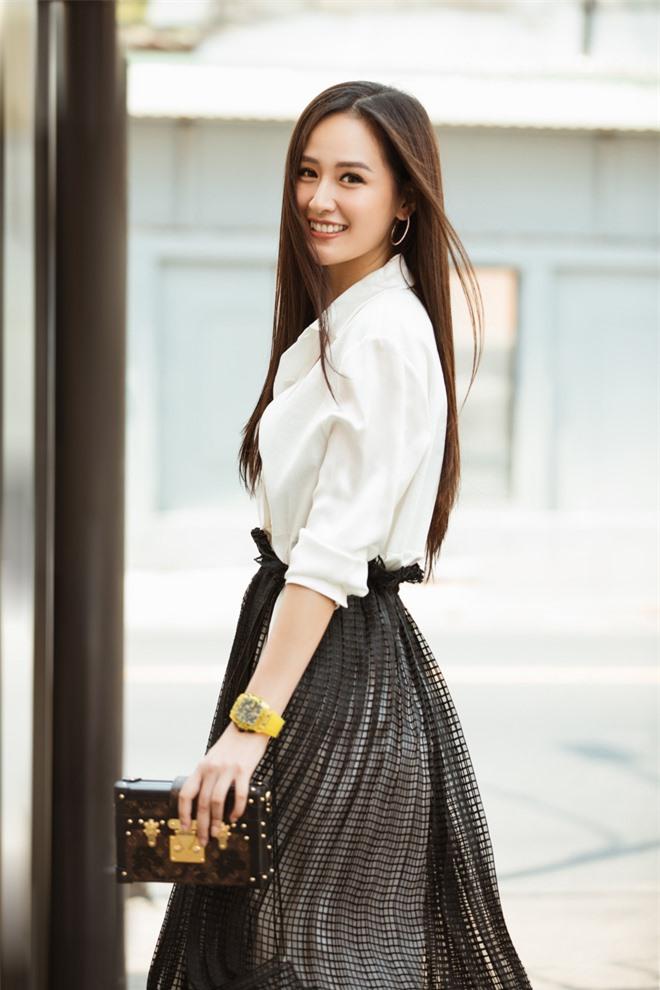 Mai Phương Thuý khoe visual trẻ trung, xinh đẹp khi đi ghi hình Ký Ức Vui Vẻ - Ảnh 1.