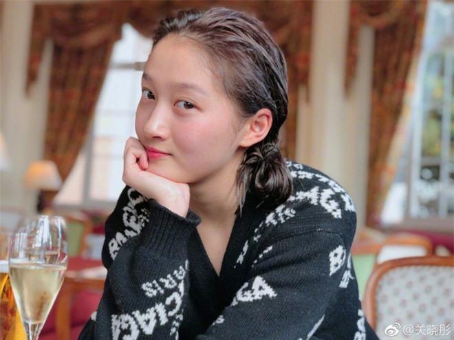 Tẩy trang xong, nhan sắc của dàn mỹ nhân Cbiz ra sao: Angela Baby - Dương Mịch tiều tụy, Quan Hiểu Đồng lu mờ đàn chị danh giá - Ảnh 13.