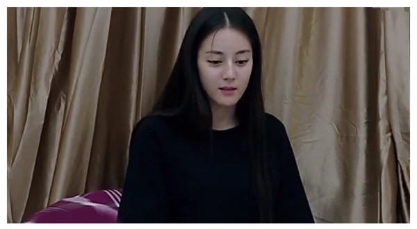 Tẩy trang xong, nhan sắc của dàn mỹ nhân Cbiz ra sao: Angela Baby - Dương Mịch tiều tụy, Quan Hiểu Đồng lu mờ đàn chị danh giá - Ảnh 14.