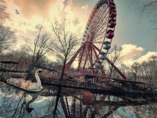 """Rùng mình trước cảnh tượng hoang tàn của những công viên bị """"bỏ rơi"""" - 11"""
