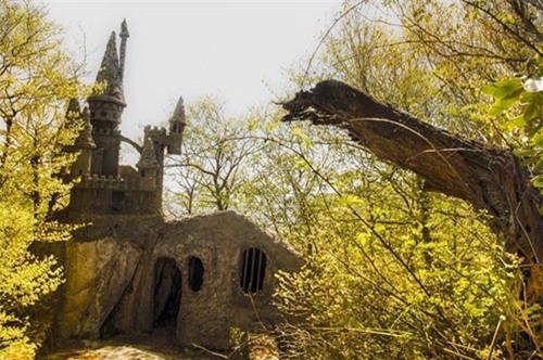 """Rùng mình trước cảnh tượng hoang tàn của những công viên bị """"bỏ rơi"""" - 7"""