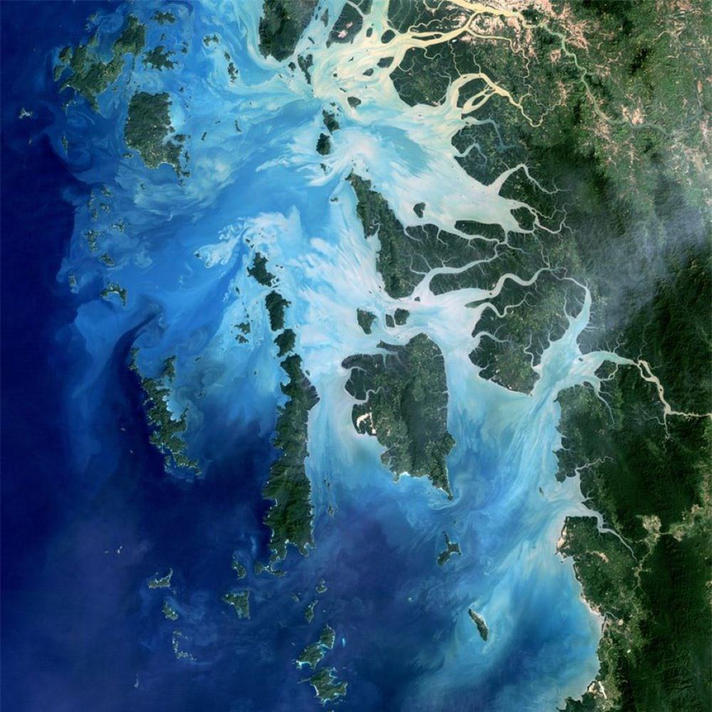 Màu xanh sâu thẳm của nước biển là biểu hiện của sự chết chóc? - 2
