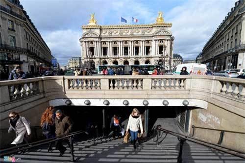 Một vòng các địa danh nổi tiếng thế giới ở Paris