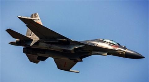 Trung Quoc tunghi rangJ-16 vuot troi Su-30?