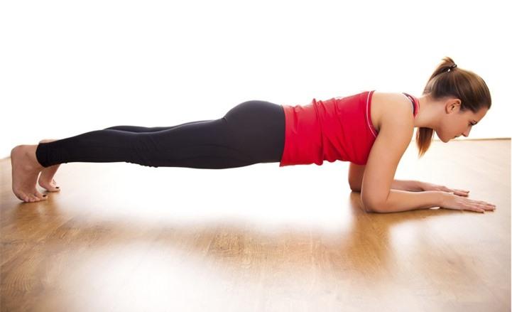 3 động tác giúp đốt cháy mỡ thừa cả eo và mông