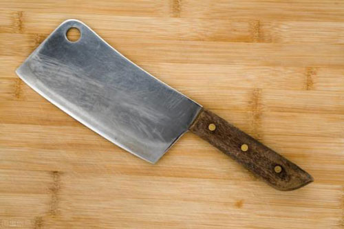 Dùng dao hằng ngày, bạn có biết lỗ tròn trên dao có tác dụng gì?