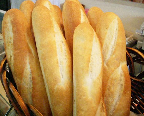 Người mắc bệnh tiêu hóa không ăn bánh mỳ