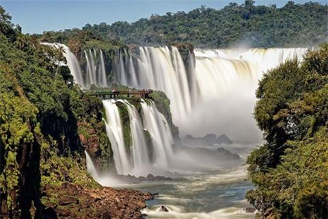 14 thác nước đẹp nhất thế giới, có 2 địa danh của Việt Nam - Ảnh 2.