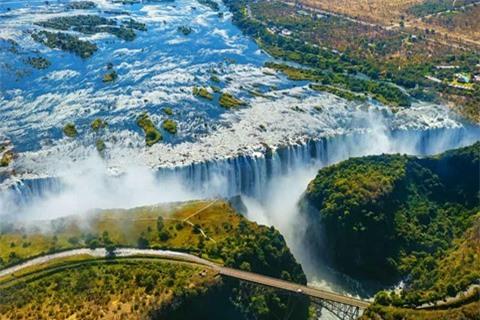 14 thác nước đẹp nhất thế giới, có 2 địa danh của Việt Nam - Ảnh 9.
