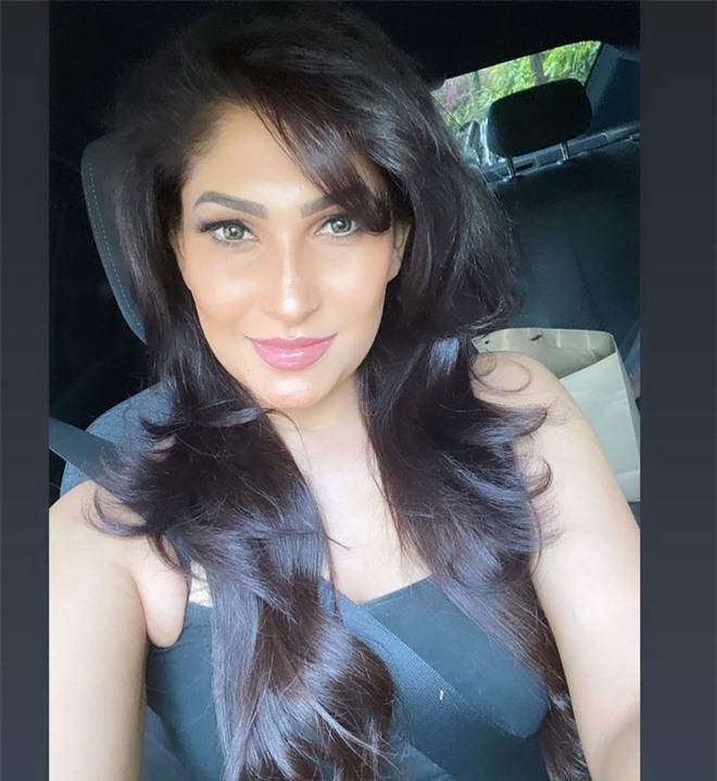 """Người giật phăng vương miện của Tân Hoa hậu Sri Lanka trên sóng truyền hình nhận kết cục thích đáng, """"nữ chính"""" lên tiếng đầy thâm sâu sau đó - Ảnh 4."""