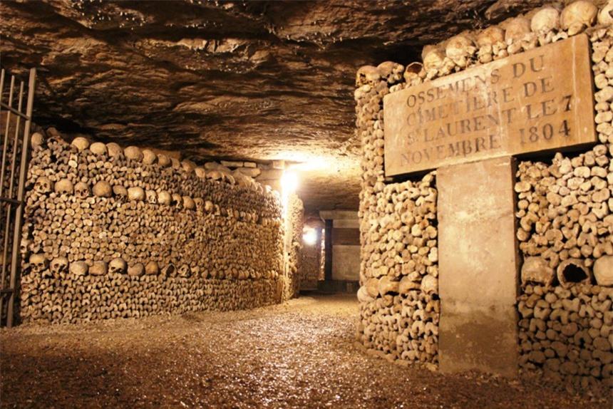 7 địa điểm ma quái nổi tiếng châu Âu, thách thức nỗi sợ của du khách - 9