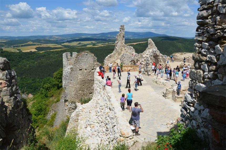 7 địa điểm ma quái nổi tiếng châu Âu, thách thức nỗi sợ của du khách - 7