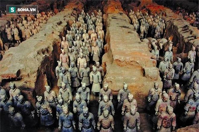 Vua chúa Trung Hoa xưa khi chết thường bắt người sống phải chết cùng, vì lý do gì Tần Thủy Hoàng lại dùng tượng binh mã để tuẫn táng? - Ảnh 2.
