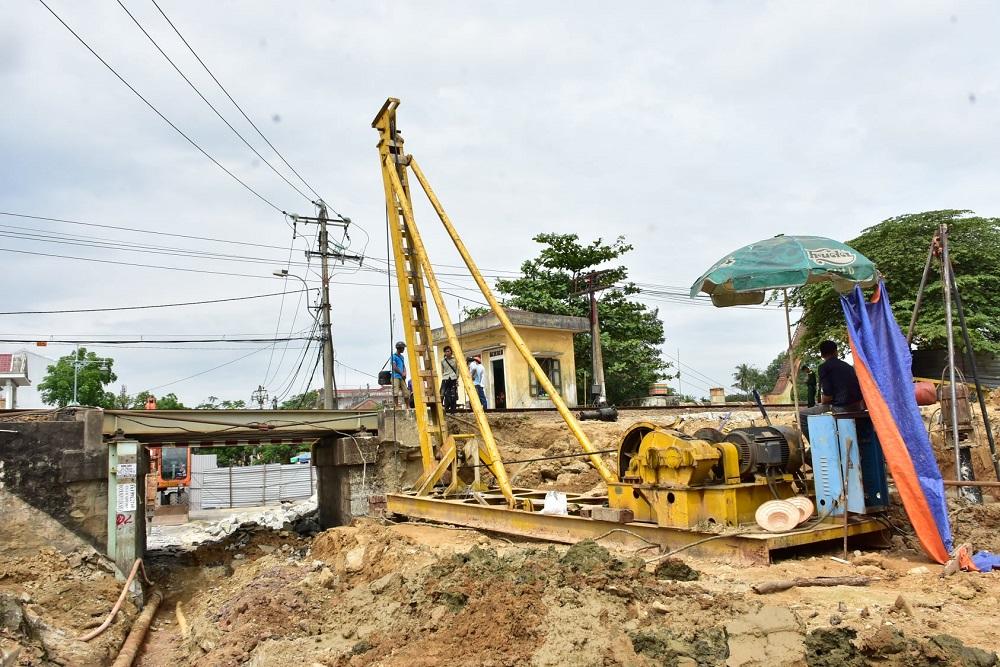 Dự án cầu chui đường sắt Bắc Nam tại đường Bùi Thị Xuân (TP. Huế) đang được tập trung triển khai.