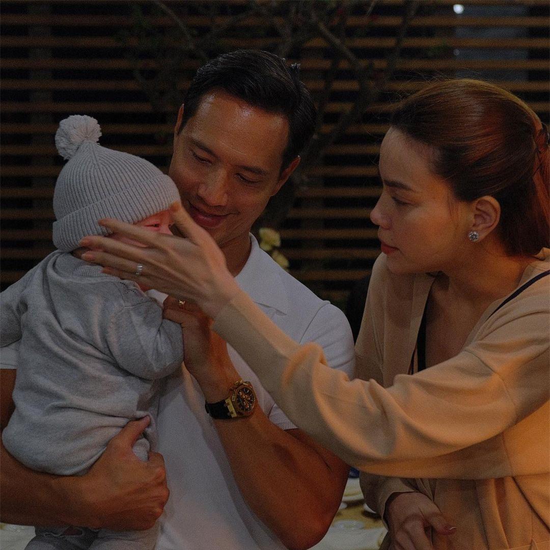 Hồ Ngọc Hà tung loạt ảnh xúc động bên Kim Lý và các con, xin lỗi Subeo - Lisa - Leon vì điều này - Ảnh 3.