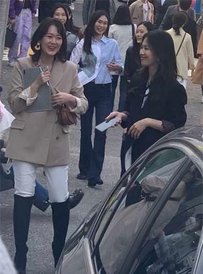 Nhan sắc thật của Song Hye Kyo có đẹp như nhiều người ca tụng, tiết lộ của nữ đồng nghiệp từng làm việc chung sẽ làm sáng tỏ - Ảnh 4.