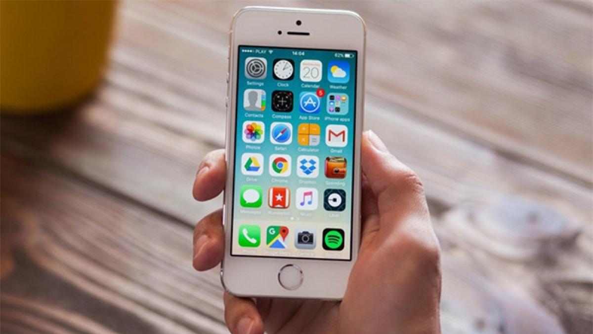 iPhone 5S là chiếc iPhone đầu tiên tích hợp cảm biến vân tay Touch ID.