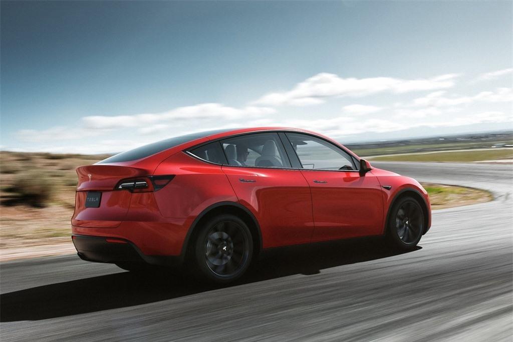 VinFast VF e35 se canh tranh voi mau xe nao cua Tesla? anh 12