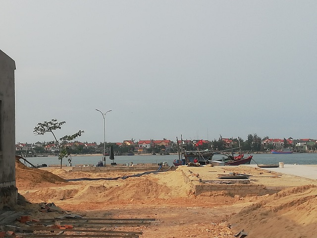 Công an huyện Bố Trạch với phòng TN- MT huyện Bố Trạch phát hiện hơn 100m3 trái phép tại khu dịch vụ hậu cần nghề cá Việt Trung