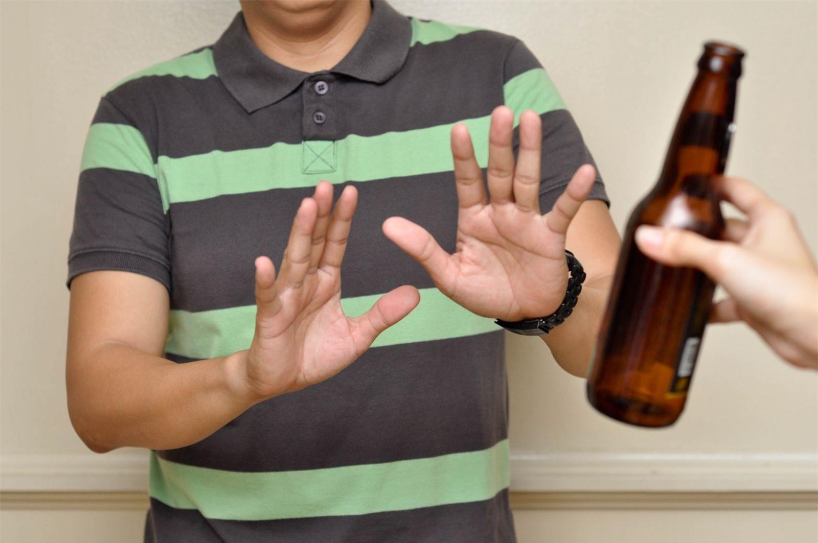 6 nhóm người cần kiêng rượu bia tuyệt đối không sẽ nguy hiểm