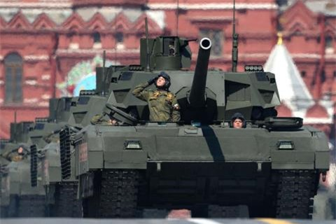 Bao Nga: Tang Armata dang het nong?