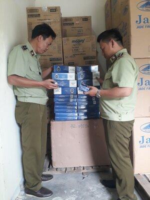 Phú Yên vừa tạm giữ 500 bao thuốc lá điếu hiệu 555 nhập lậu