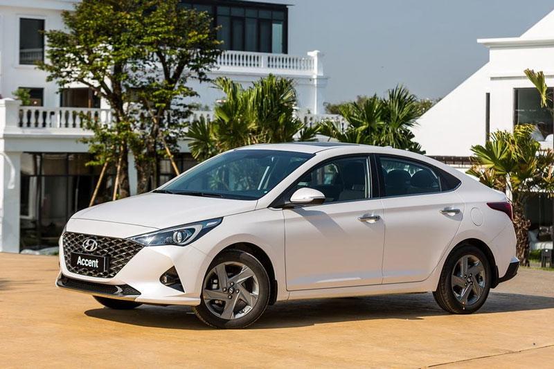 2. Hyundai Accent (doanh số: 2.094 chiếc).