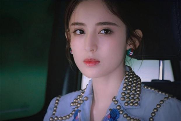 Đều sinh năm 1992, nhan sắc dàn nữ thần Cbiz quá khác biệt: Nhiệt Ba già chát, Trịnh Sảng - Dương Tử nhiều lần gây sốc - Ảnh 19.