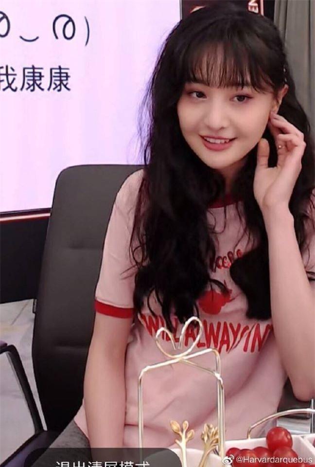 Đều sinh năm 1992, nhan sắc dàn nữ thần Cbiz quá khác biệt: Nhiệt Ba già chát, Trịnh Sảng - Dương Tử nhiều lần gây sốc - Ảnh 10.
