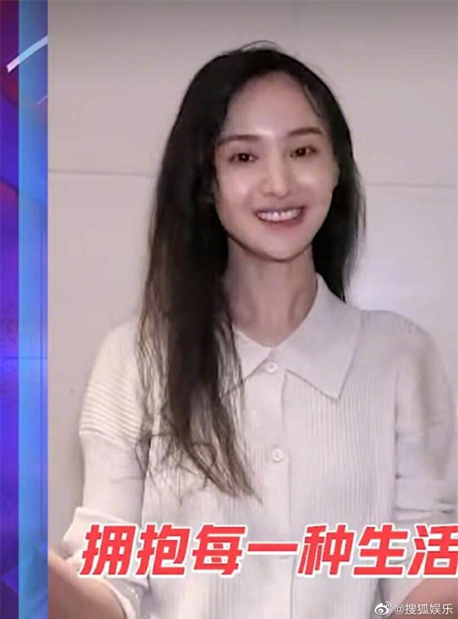 Đều sinh năm 1992, nhan sắc dàn nữ thần Cbiz quá khác biệt: Nhiệt Ba già chát, Trịnh Sảng - Dương Tử nhiều lần gây sốc - Ảnh 11.