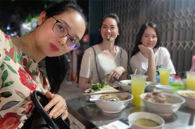 Ảnh hiếm: Top 3 Hoa hậu Việt Nam đầu tiên hội ngộ, đều chạm ngưỡng U40 nhưng vẫn trẻ trung, xinh đẹp đáng ngưỡng mộ - Ảnh 2.
