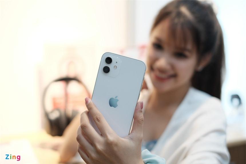 iPhone 12/12 mini giam them den 1 trieu dong anh 1