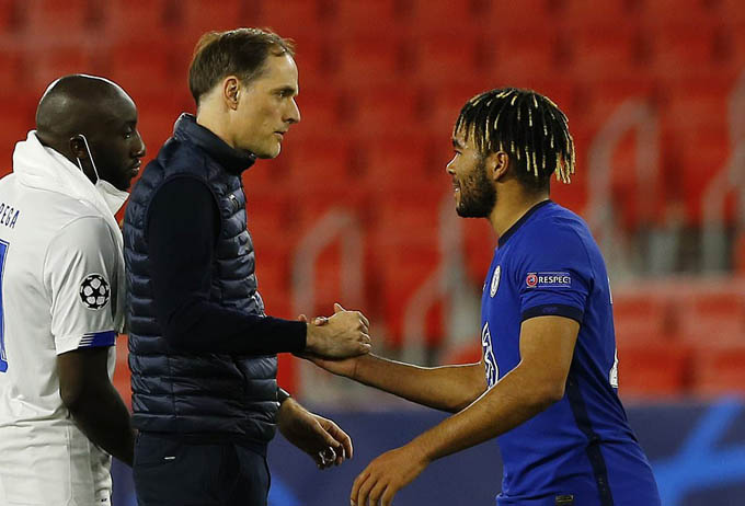 Chelsea lọt vào bán kết Champions League.