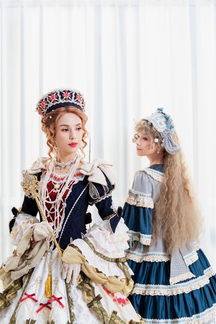Lý Nhược Đồng diện đồ Lolita, sắc vóc cực phẩm tuổi 55 gây 'bão' ảnh 4