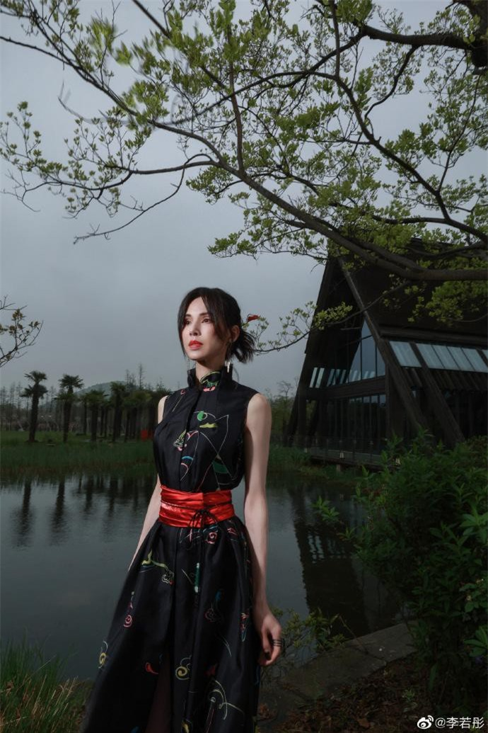 Lý Nhược Đồng diện đồ Lolita, sắc vóc cực phẩm tuổi 55 gây 'bão' ảnh 9