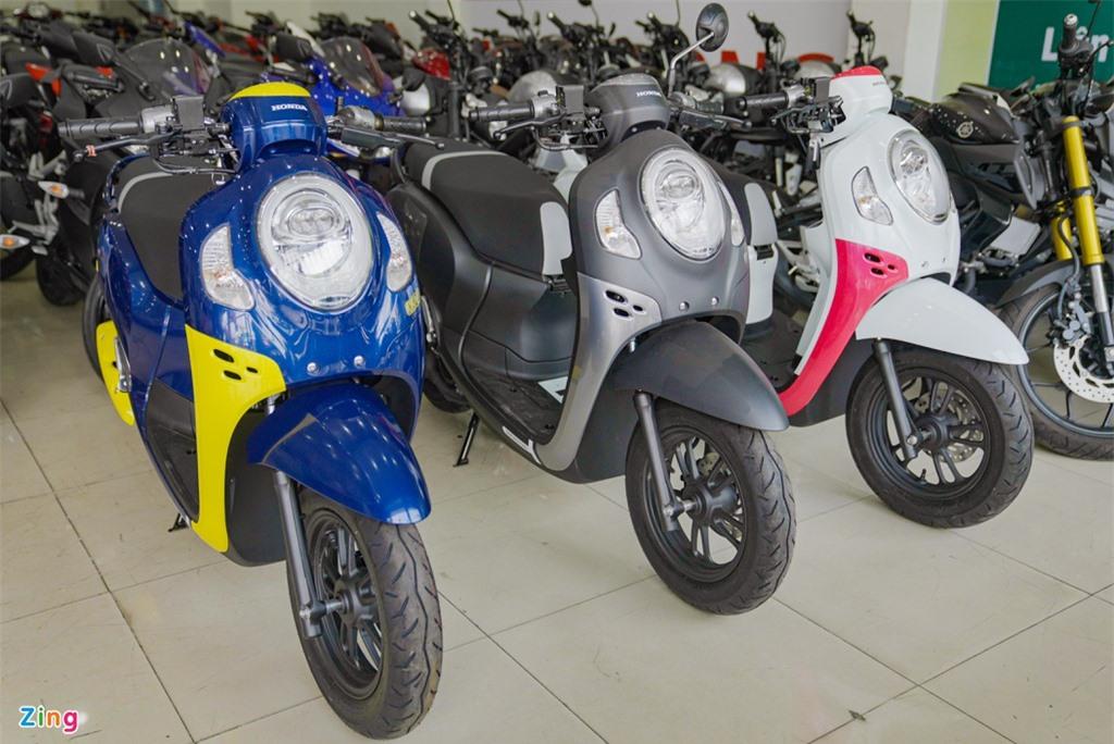 Honda Scoopy 2021 nhap khau Thai Lan gia 74 trieu dong anh 1